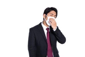 抗菌作用のある銀イオンをマスクにスプレー